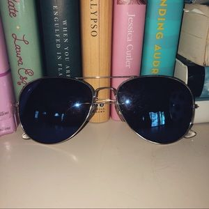 [American Eagle Outfitters] aviators
